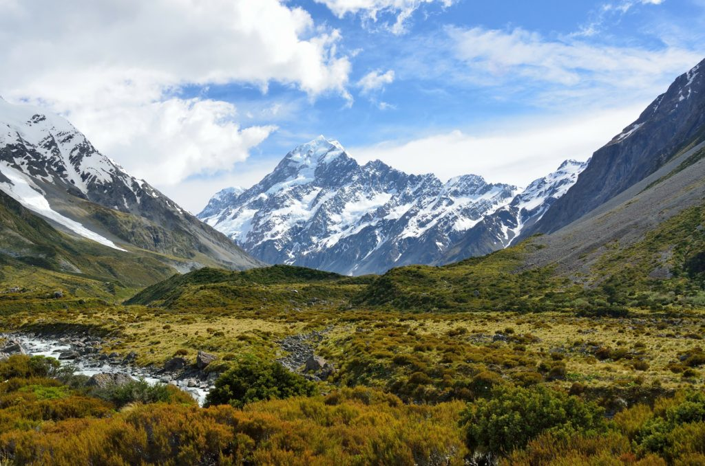 new zealand south island mount cook from hooker valley track