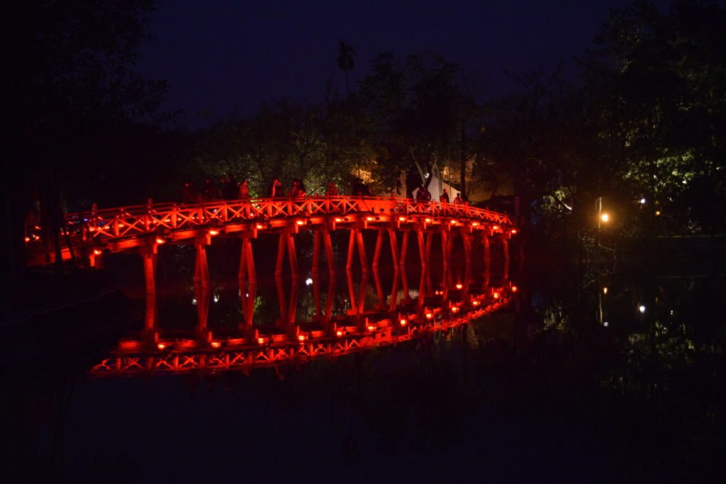 vietnam hanoi hoan kiem lake at night bridge temple