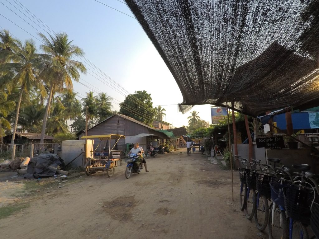 the main street in don khon